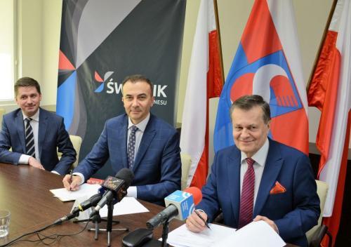 konferencja podpisanie umowy o współpracy z PWSZ